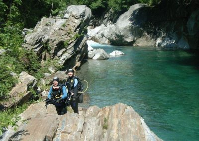 rb-schweiz-Verz_Weg_zum_Wasserfall